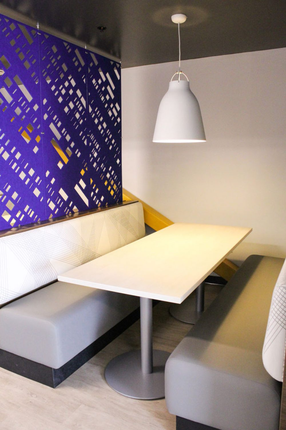 table-booth2